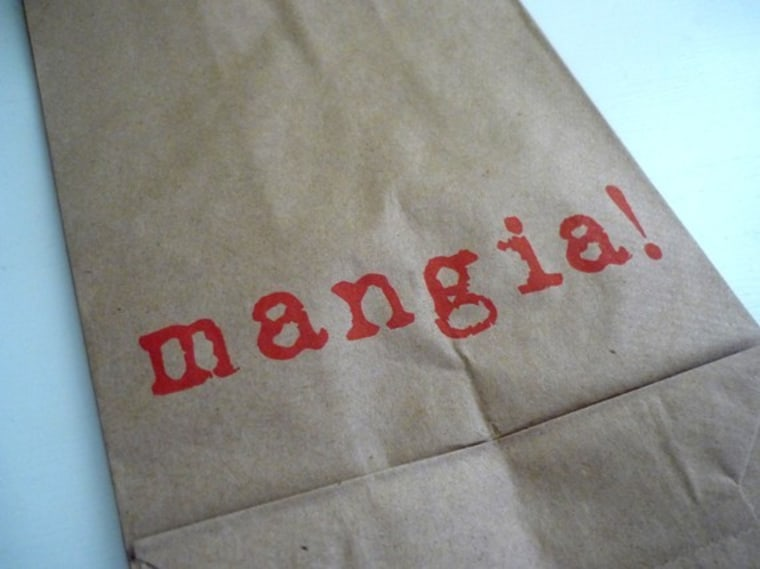 Use your brown paper lunch bag to show off your lunchtable personality!