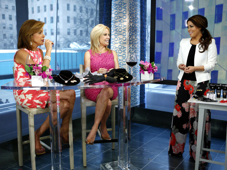 """TODAY -- Pictured: (l-r) Hoda Kotb, Kathie Lee Gifford and Bobbie Thomas appear on NBC News' """"Today"""" show -- (Photo by: Peter Kramer/NBC/NBC NewsWire)"""