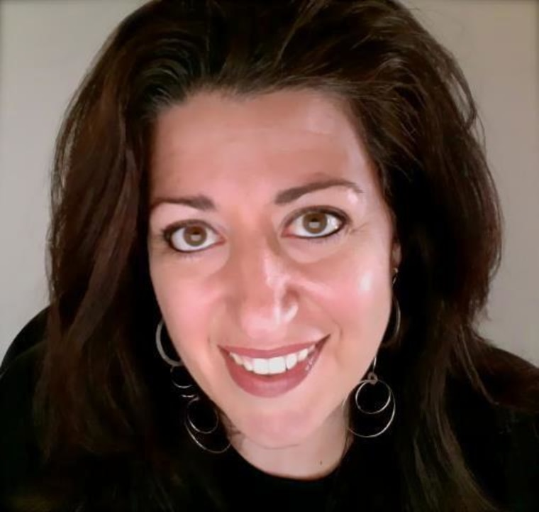 Career strategist and Third Person Manifesto CEO Nicolette Pizzitola joined TODAY readers in a live online chat to help them move their jobs forward.