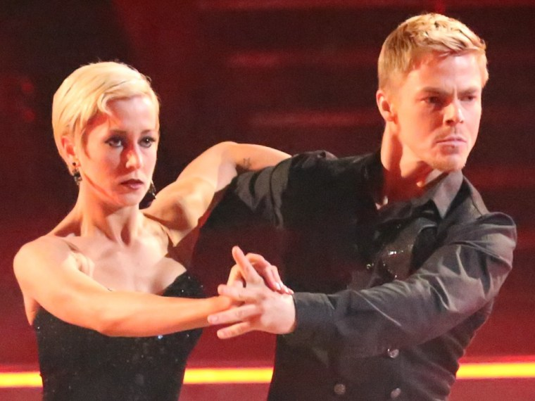 Image: Kellie Pickler, Derek Hough