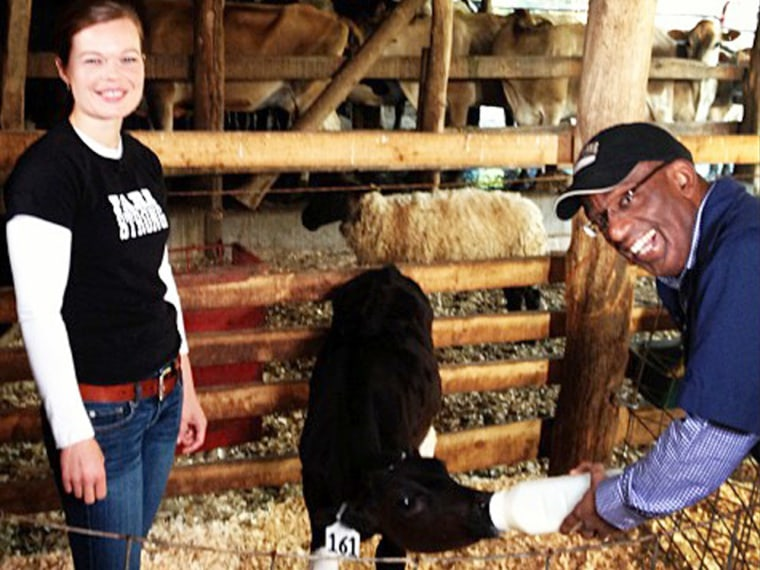 Al met this cow with a familiar name: 'Baby Savnnah wants her bottle' he wrote on Instagram.