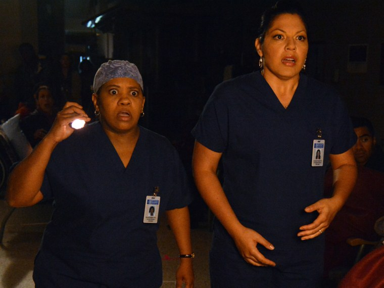 Greys Anatomy Finale Shocker Death In The Dark