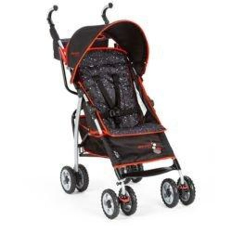 This Ignite stroller from The First Years boasts many features found on more expensive models.
