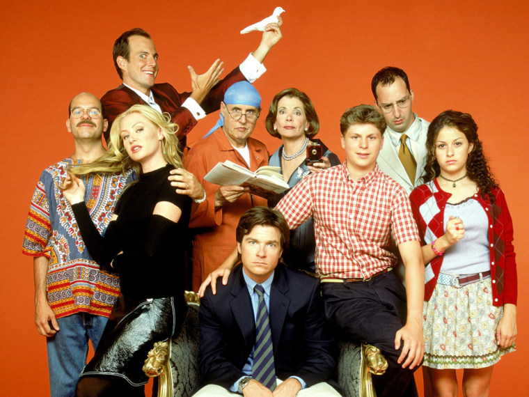 """Image: Bluth family on \""""Arrested Development\"""""""
