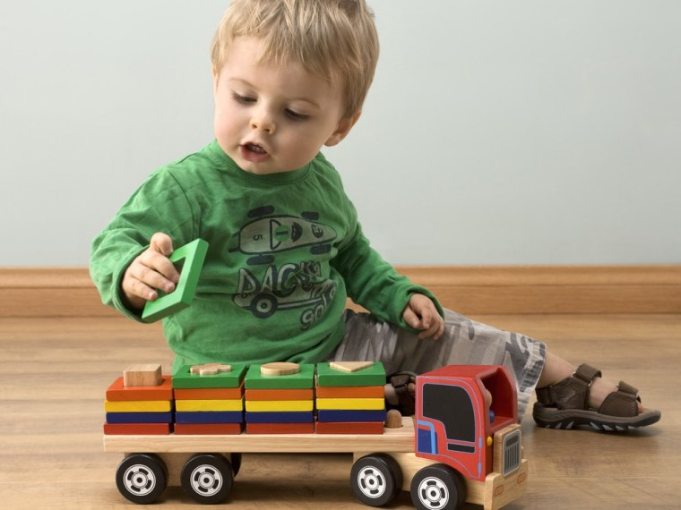 Brain overload explains missing childhood memories