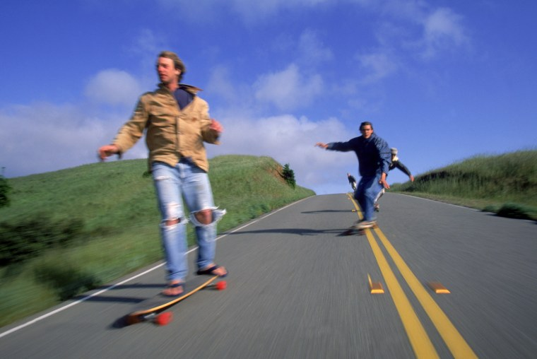 Longboarders face a much greater risk of head fracture, traumatic brain injury and bleeding inside the skull (intracranial hemorrhage) than skateboarders, a new study suggests.