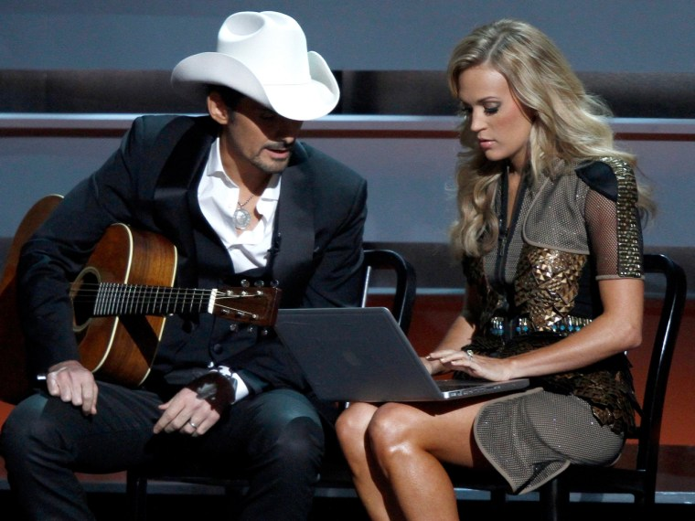 Image: Brad Paisley and Carrie Underwood