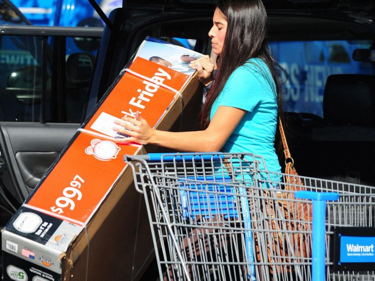Holiday shopping season looking bleak for Walmart, Kohl's