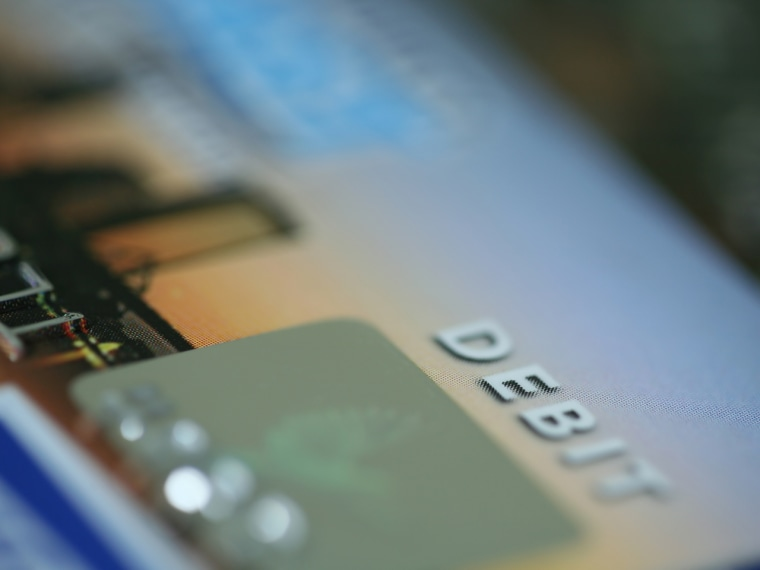 Feds: Employers can't force payroll debit cards on workers