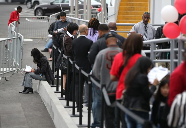 Retail hiring goes high tech as holiday season nears