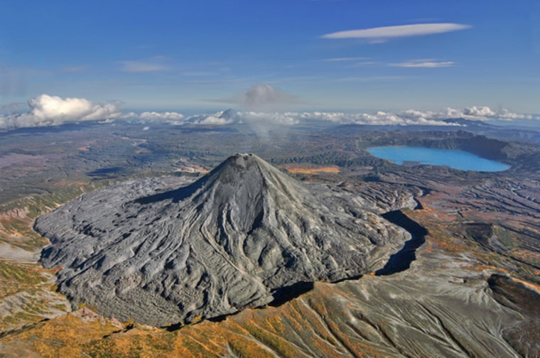 'Dante's Peak,' for real: Volcanic eruption creates deadly acid lake