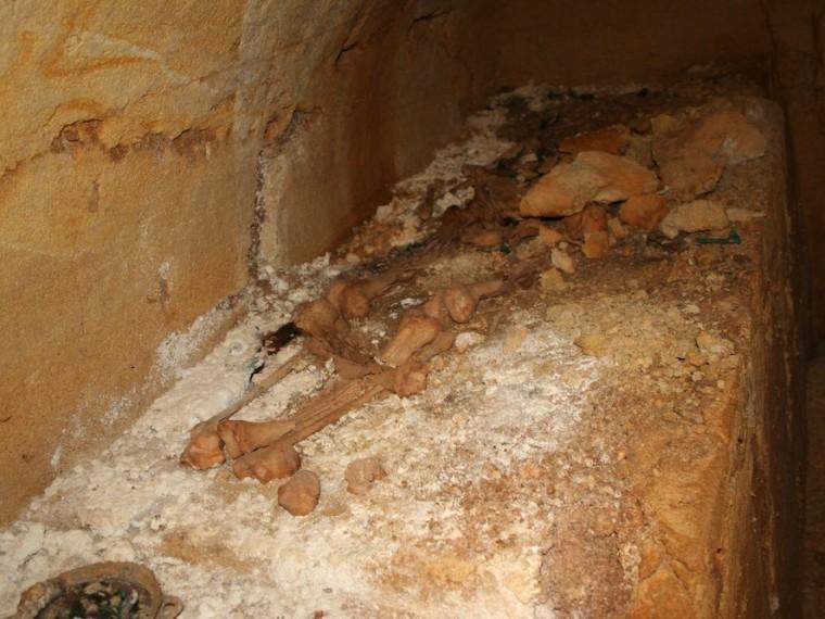 Image: Etruscan skeleton