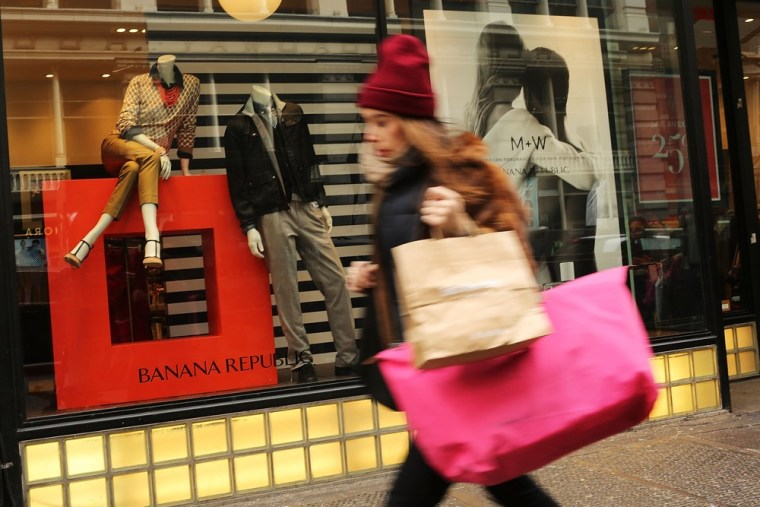 Retailers worry that delayed tax refunds could keep wallets closed