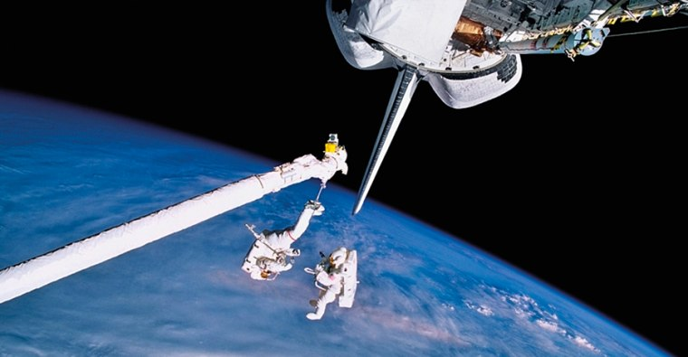 30 years of space shuttle missions a salute in images