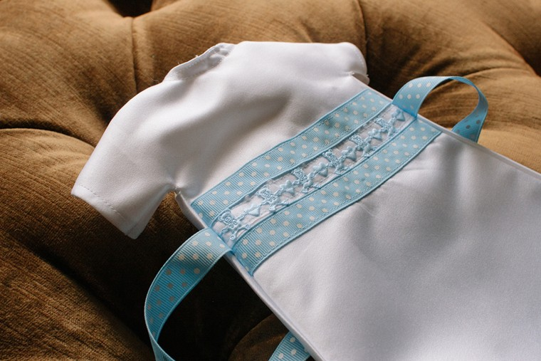 Gender-specific gowns are made so parents have several options to consider when choosing an Angel Gown for their baby.