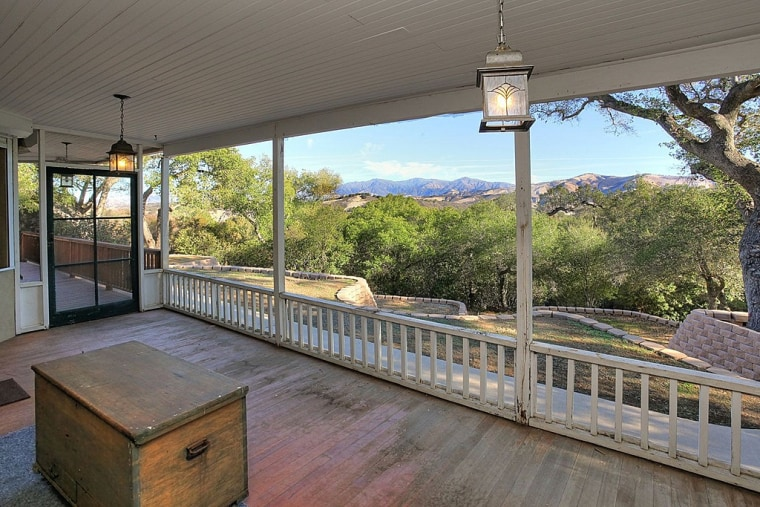 TV pitchman Ron Popeil is selling his ranch with views of the San Rafael Wilderness and the Topatopa Mountain.