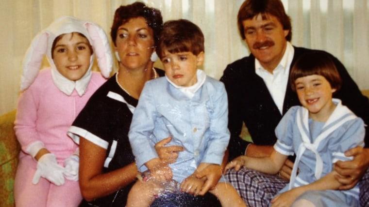 Image: Awkward Family Photos Easter edition