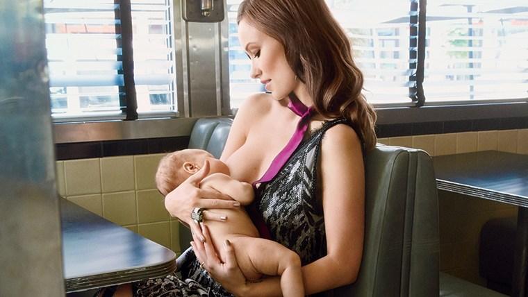 Image: Olivia Wilde breastfeeding her baby