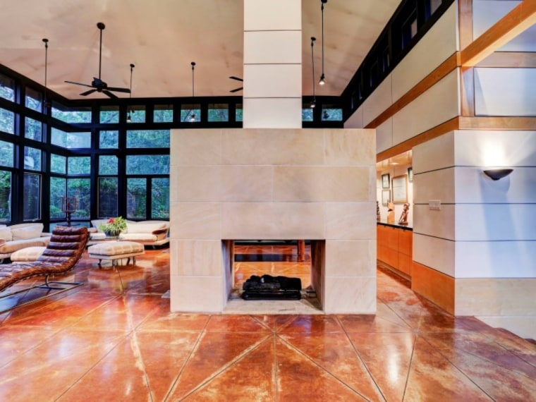 The 1 800 Square Foot Home Carries Frank Lloyd Wright S Signature Elements Stained Concrete