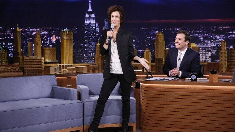 Kristen Wiig impersonates One Direction's Harry Styles on 'The Tonight Show'