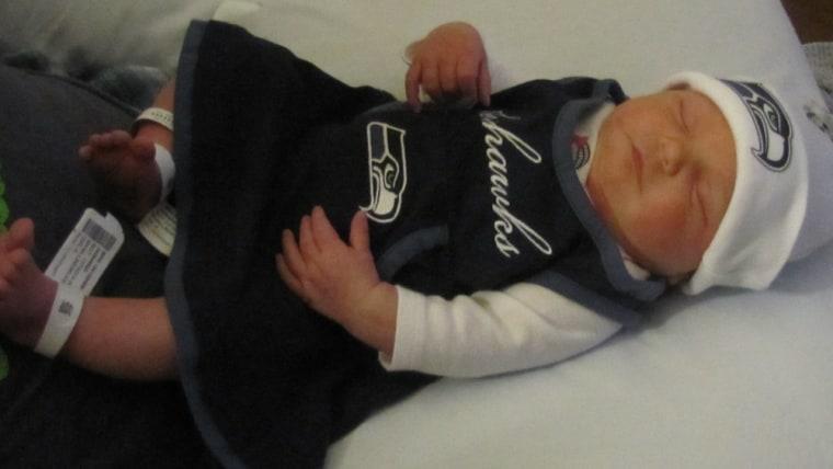 Cydnee Leigh 12th Mann shows her Seahawks pride.