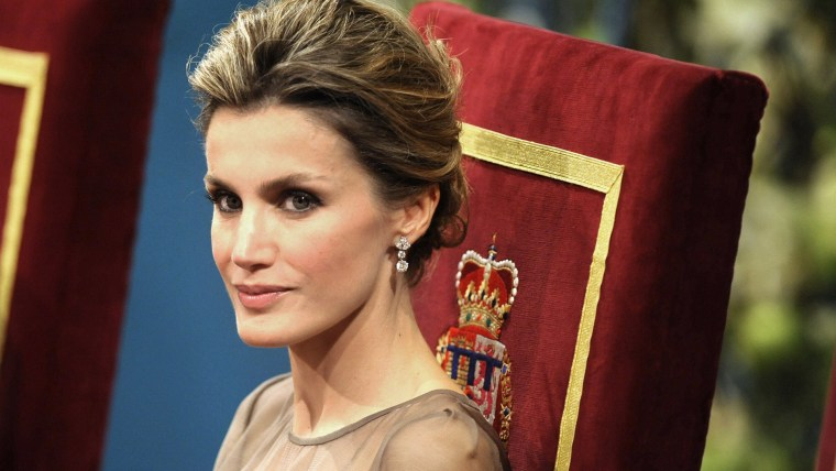 TO GO WITH STORY BY DANIEL SILVA (FILES) A file picture taken on October 21, 2011 shows Princess Letizia of Spain attending the 2011 Prince of Asturia...