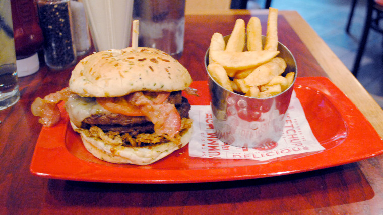 "The Red Robin ""monster"" meal was listed as the year's unhealthiest meal in a CSPI report."