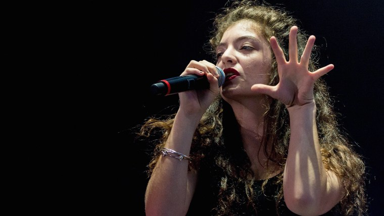 SAO PAULO, BRAZIL - APRIL 05:  Lorde performs on stage during the 2014 Lollapalooza Brazil at Autodromo de Interlagos on April 5, 2014 in Sao Paulo, B...