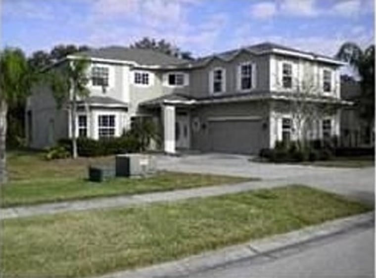 Shaquille O'Neal recently sold this Florida home for $240,000.