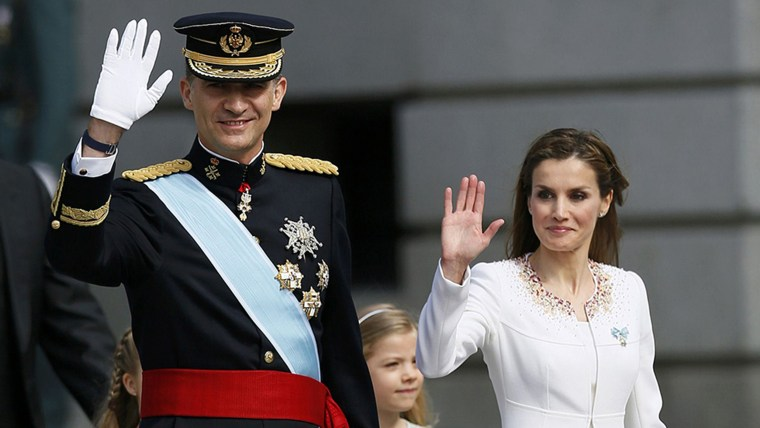 Spain's new King Felipe VI, his wife Queen Letizia, Princess Sofia, Princess Leonor and Prime Minister Mariano Rajoy arrive for the swearing-in ceremo...