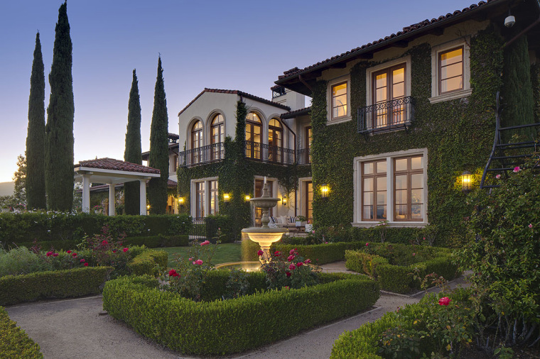 Heidi Klum bought this L.A. mansion for $14.2 million and said she felt like she was in the south of France.