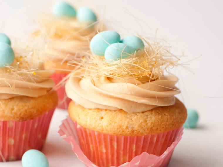Easter Cupcakes Caramel Bird's Nest Easter Cupcakes