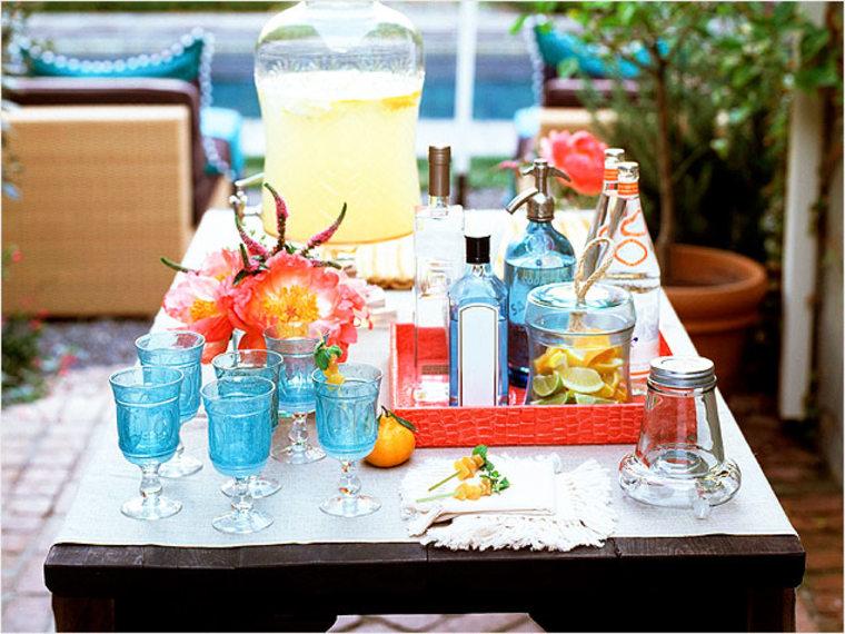 How to Set Up an Outdoor Bar