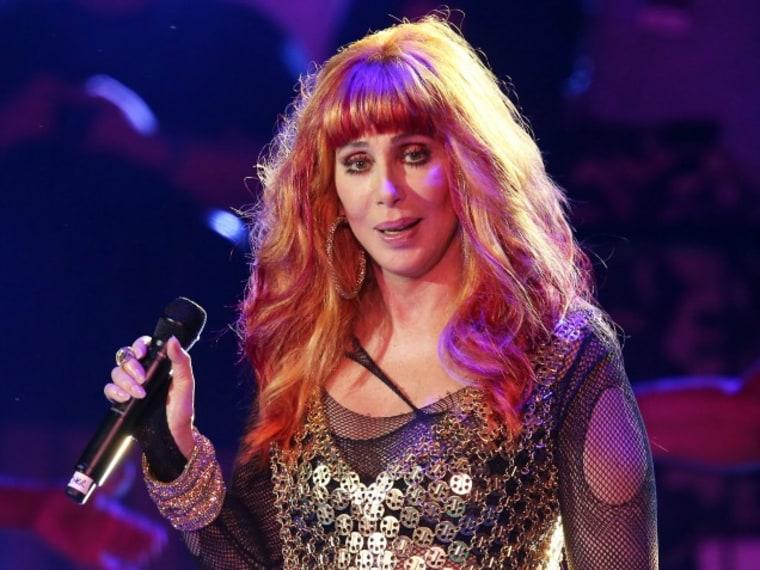 Cher Responds to Amanda Bynes Twitter Attack