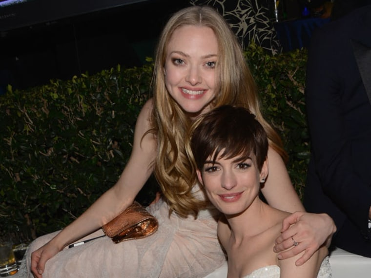 Amanda Seyfried & Anne Hathaway End Feud on Twitter