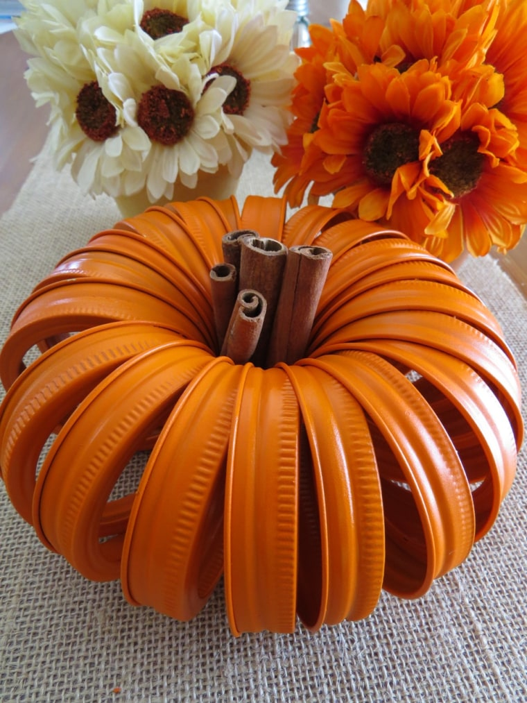 Thanksgiving decorations: DIY pumpkin centerpieces for ...
