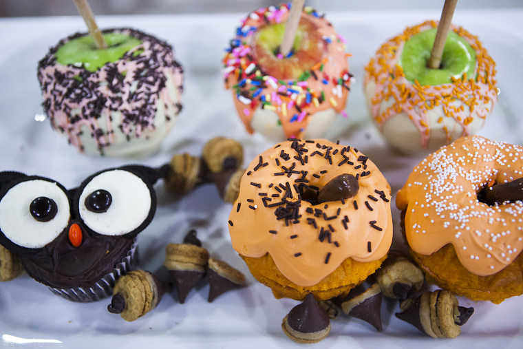 Fall desserts your kids will gobble up: Owl cupcakes, pumpkin cakes and more