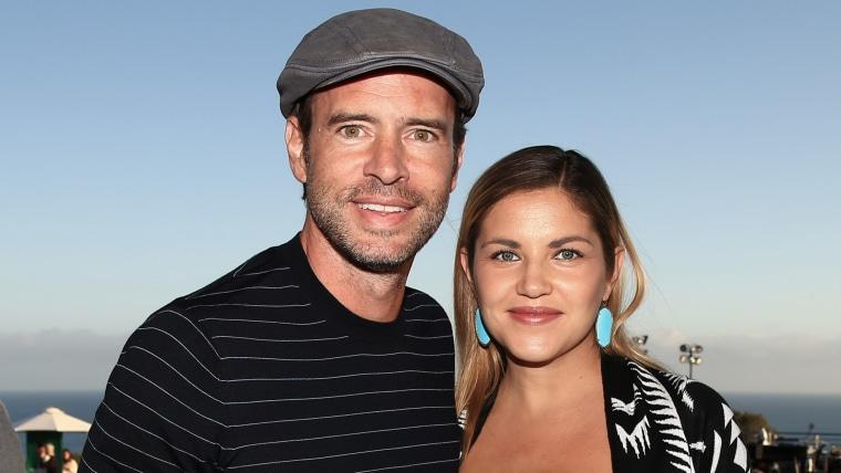 MALIBU, CA - SEPTEMBER 28: Actor Scott Foley and Marika Dominczyk attend Rock4EB, Malibu, with Jackson Browne & David Spade sponsored by Suja Juice & ...