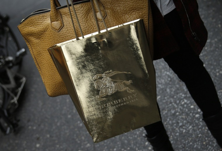 Three out of four adults in this country make impulse purchases, according to a new survey. But men more often spend serious money on them.