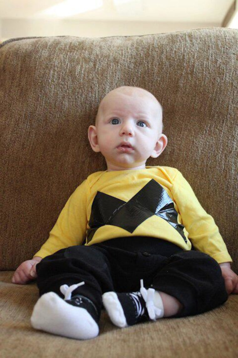 good grief ashley mellott decked her son out as charlie brown for his first halloween