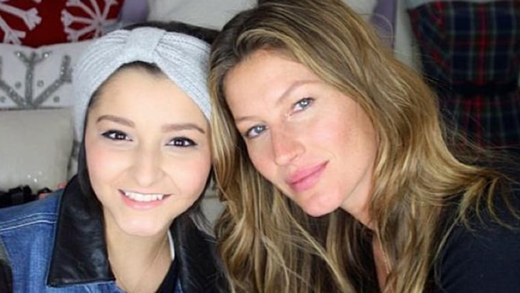 Image: Gisele and Karina Xavier