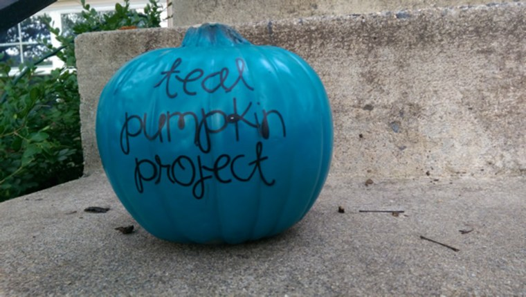 The Teal Pumpkin Project is a new campaign from the Food Allergy Research  & Education (FARE) which aims to make Halloween safe for everyone.