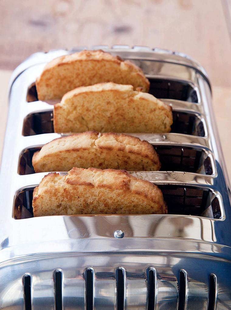 Sour Cream Corn Bread recipe by Ina Garten