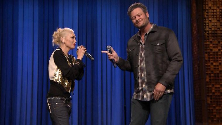 "Voice judges Gwen Stefani and Blacke Shelton lip-synch on ""Tonight"""