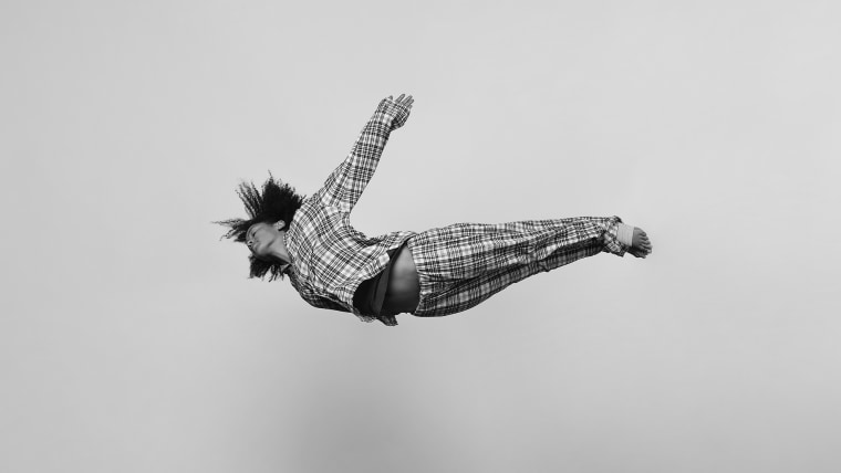 Tomas Januska photographs weightlessness.