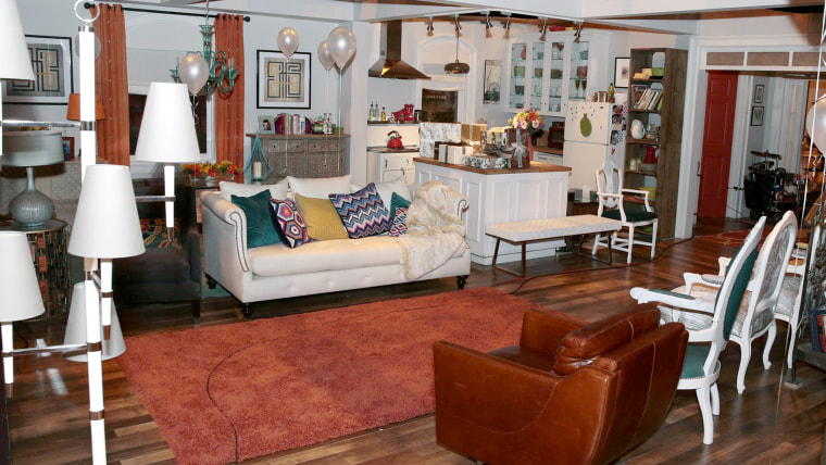 THE MINDY PROJECT -- TCA Set Visit -- Pictured:  -- (Photo by: Chris Haston/NBC)