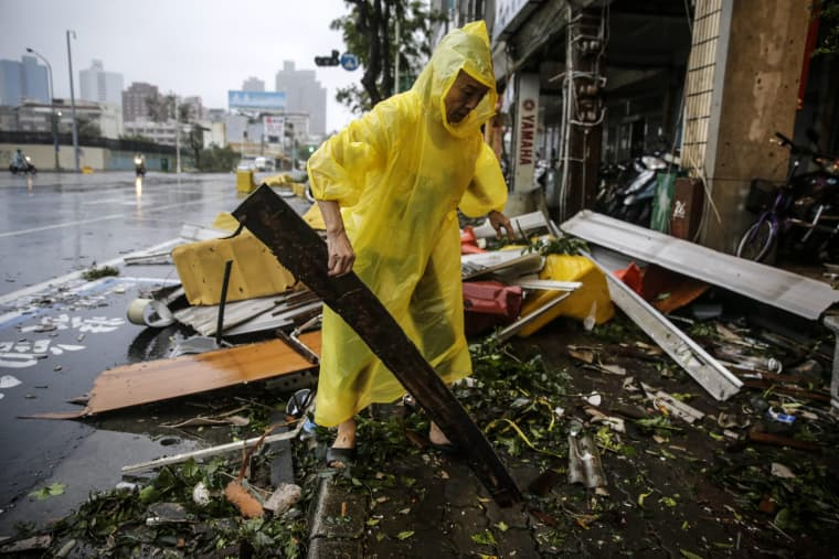 Image: Super Typhoon Meranti brings strong winds and heavy rains to Taiwan