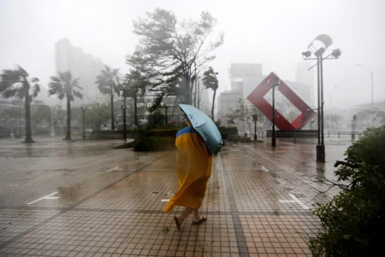 Image: Super Typhoon Meranti brings high winds and heavy rains to Taiwan