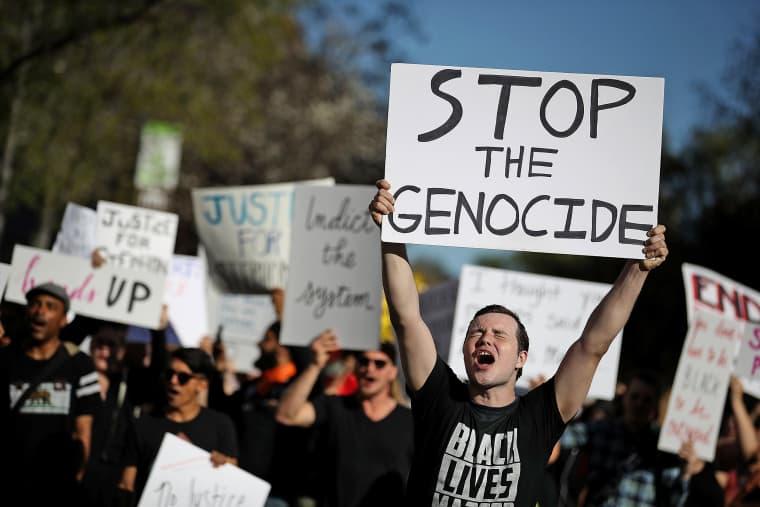 Image: Protestors Rally At Sacramento DA's Office Over Shooting Death Of Stephon Clark
