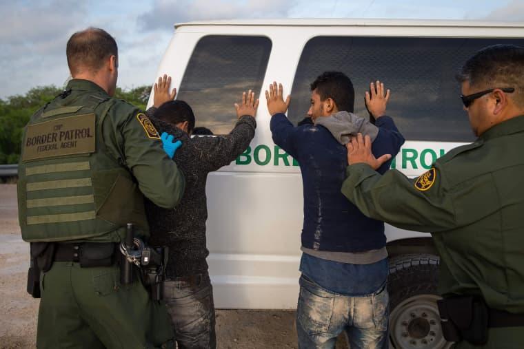 Image: Border Agent